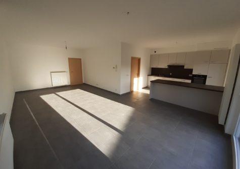 Aangenaam lichtrijk appartement met 2 kamers in De Pinte