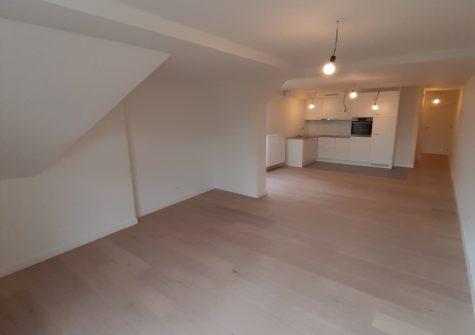Volledig gerenoveerd appartement (4e verdiep) op de Korenmarkt te Gent