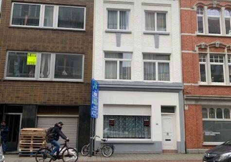 Deels te renoveren woning / projectgrond in Oostende