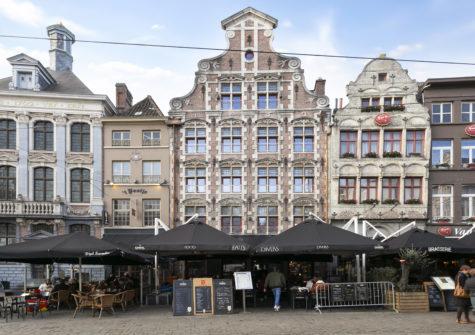 Vernieuwbouwappartement op de Korenmarkt te Gent – 3e verdiep