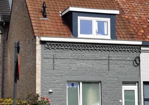 Volledig gerenoveerde woning te Deinze met tuintje en garage