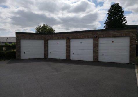 Garagebox nabij centrum De Pinte