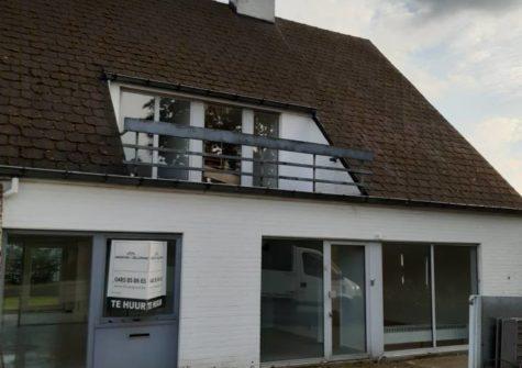 Handelspand/praktijk/kantoor met woonst te Sint-Denijs-Westrem