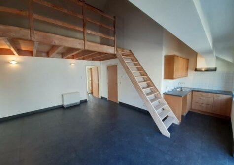 Uniek charmant duplex-appartement met open zuidgericht terras en veel lichtinval.