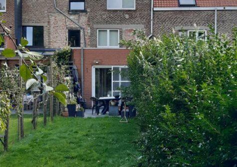 Ruime woning te Gentbrugge met 3 slaapkamers, tuin en garage
